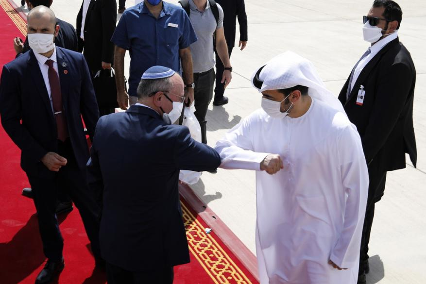 وفد الكيان الإسرائيلي يغادر الإمارات بعد زيارة تطبيع شهدت اتفاقيات متبادلة