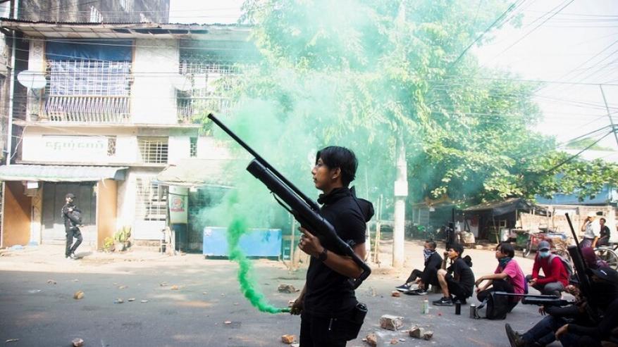 """""""رويترز"""": قوات الأمن في ميانمار تقتل 13 شخصا وانفجارات صغيرة تهز يانجون"""