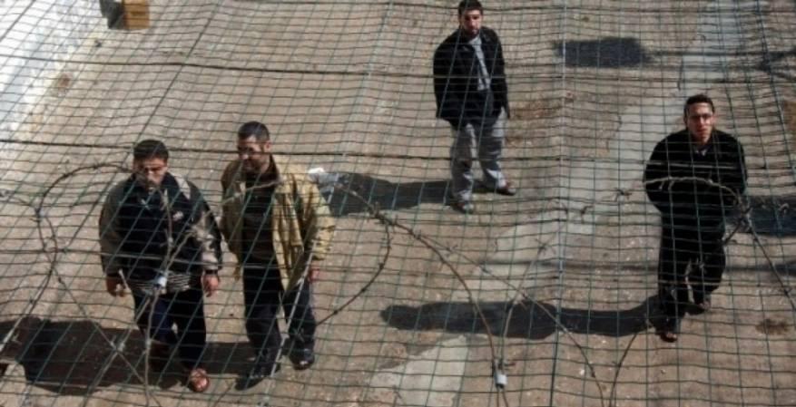 """البرد الشديد ينهش أجساد المعتقلين في مركز توقيف """"عصيون"""""""