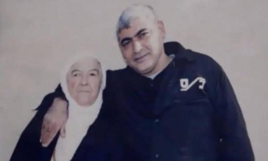 انتظرت خروج ابنها 34 عامًا.. وفاة والدة الأسير رشدي أبو مخ