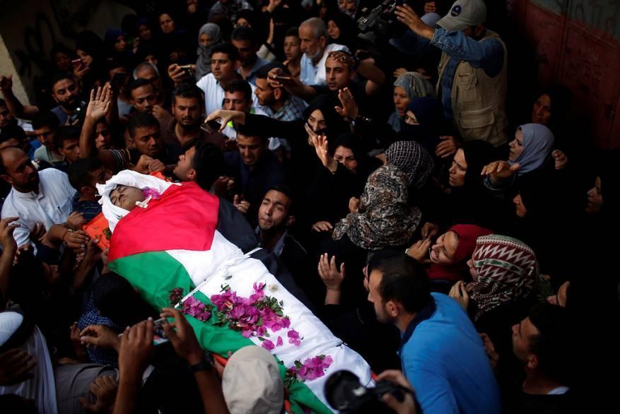 198 شهيدا بينهم 37 طفلا منذ انطلاق مسيرات العودة بغزة