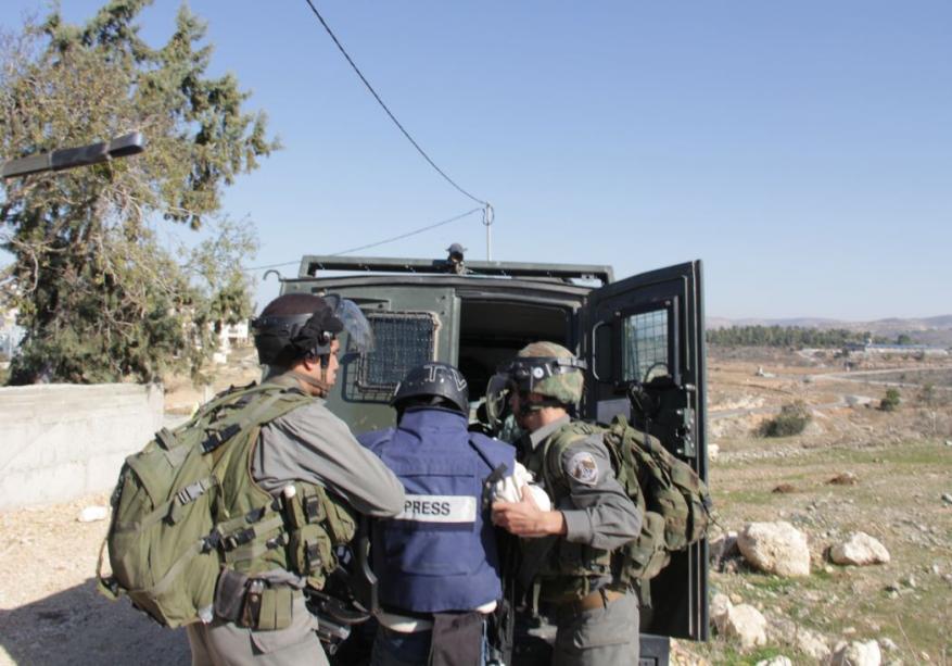 التجمع الإعلامي الفلسطيني يطالب بالإفراج عن 25 صحفياً من سجون الاحتلال