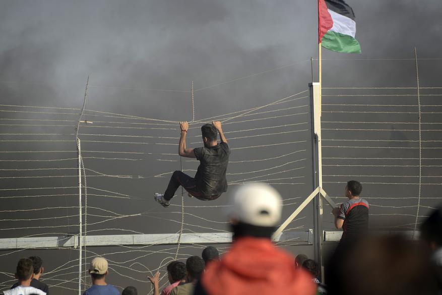 هآرتس: غزة لن تنقلب على حماس وإسرائيل حوّلتها لأكبر زنزانة انفرادية بالعالم