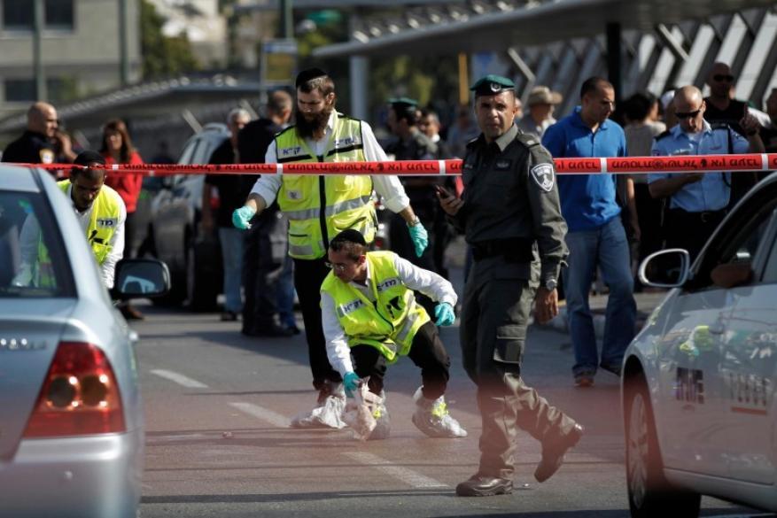 الخوف من عمليات الدهس دفع الاحتلال لوضع لافتات في الضفة .. فما كتب عليها؟
