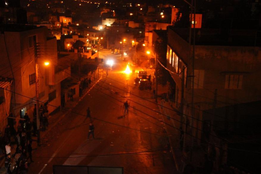 إصابات بالاختناق خلال قمع الاحتلال لمسيرة نصرة للقدس في الخليل