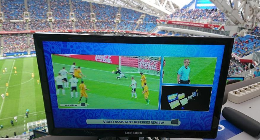 """""""فيفا"""" يفجر مفاجأة ويضع التكنولوجيا بأيدي مدربي كأس العالم لأول مرة في التاريخ"""