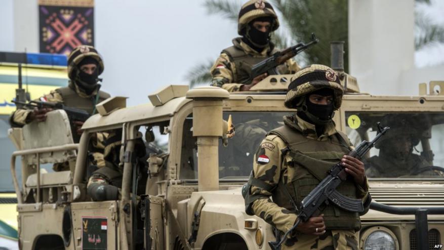الجيش المصري يعلن عن مقتل 10 مسلحين والقبض على 400 شخصٍ بينهم أجانب