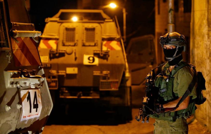إصابات واعتقالات خلال اقتحام مخيم الامعري برام الله