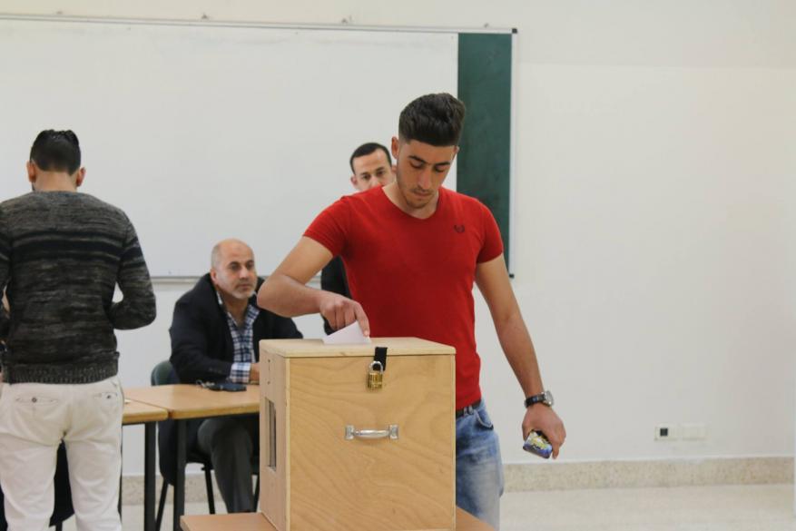 انتخابات النجاح .. تحيز الجامعة وخروقات الاقتراع