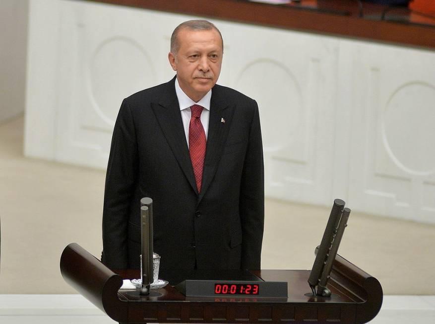 """""""قرار محتمل"""" من أردوغان بشأن الجيش التركي"""
