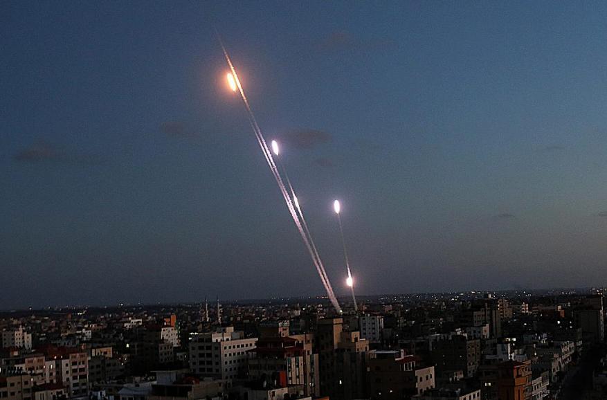"""الاحتلال يضيف منظومات جديدة لدفاعه الجوي .. """"غزة ليست بعيدة وسنرى مفاجآت """""""