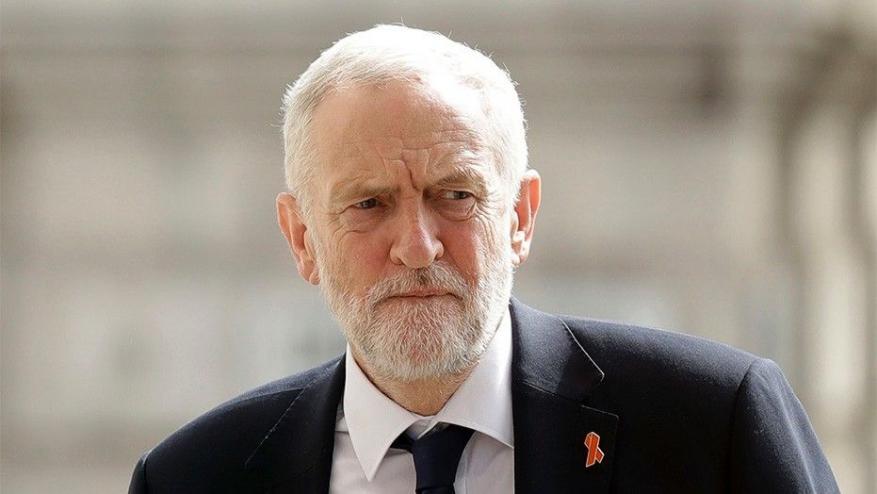 """""""جيرمي كوربي"""" زعيم حزب العمل البريطاني يصلي لشهداء عملية ميونخ 1972.. ونتنياهو غاضب!"""