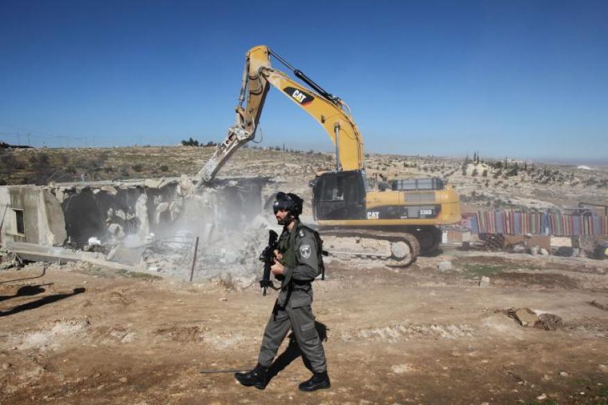 الاحتلال يهدم 3 منازل في بيت لحم و منشآت تجارية في القدس