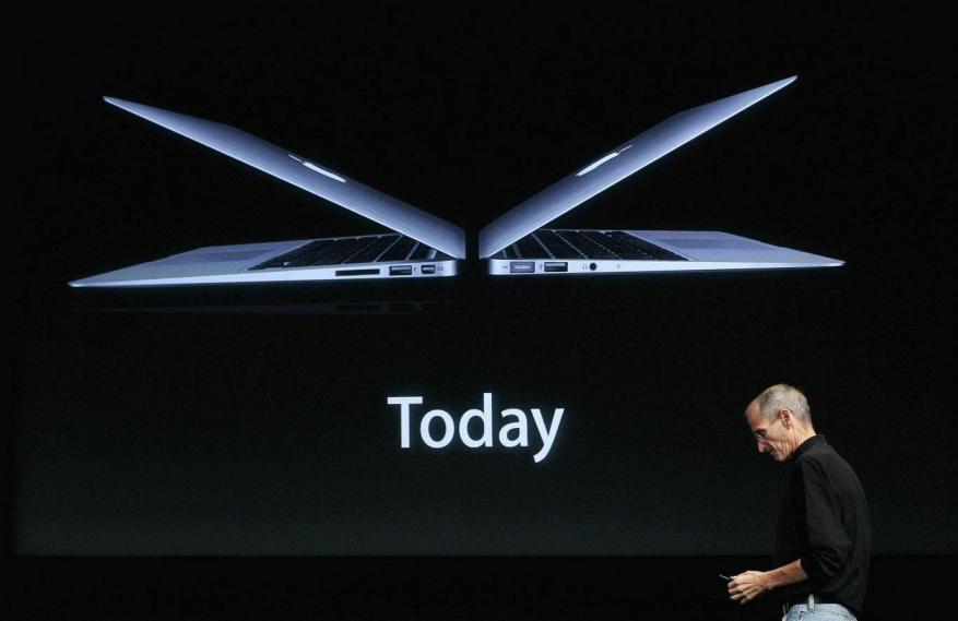 """""""آبل"""" تطلق كمبيوتر محمول جديد بأسعار أقل"""