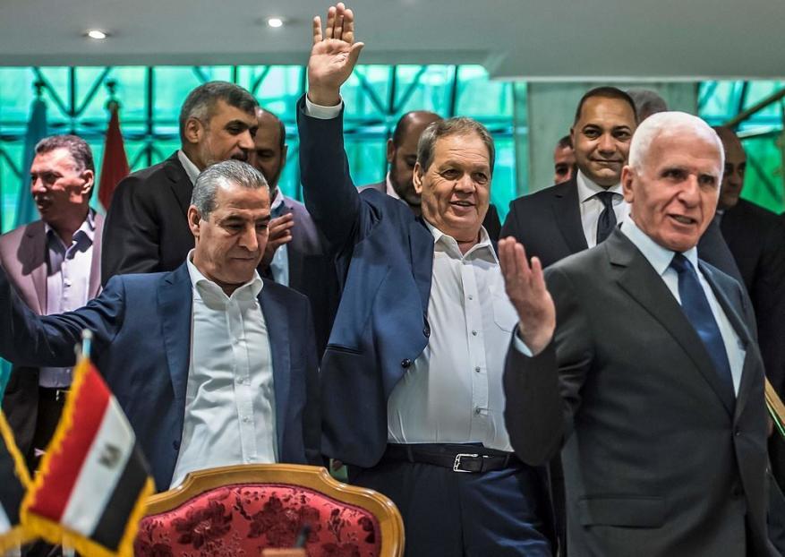 كيف ستواجه غزة تهرب فتح من استحقاقات المصالحة وما السيناريوهات المطروحة ؟