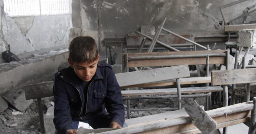 مجموعة العمل: الفصائل تفرض مناهج متطرفة بهدف تجنيد الأطفال في مخيم درعا
