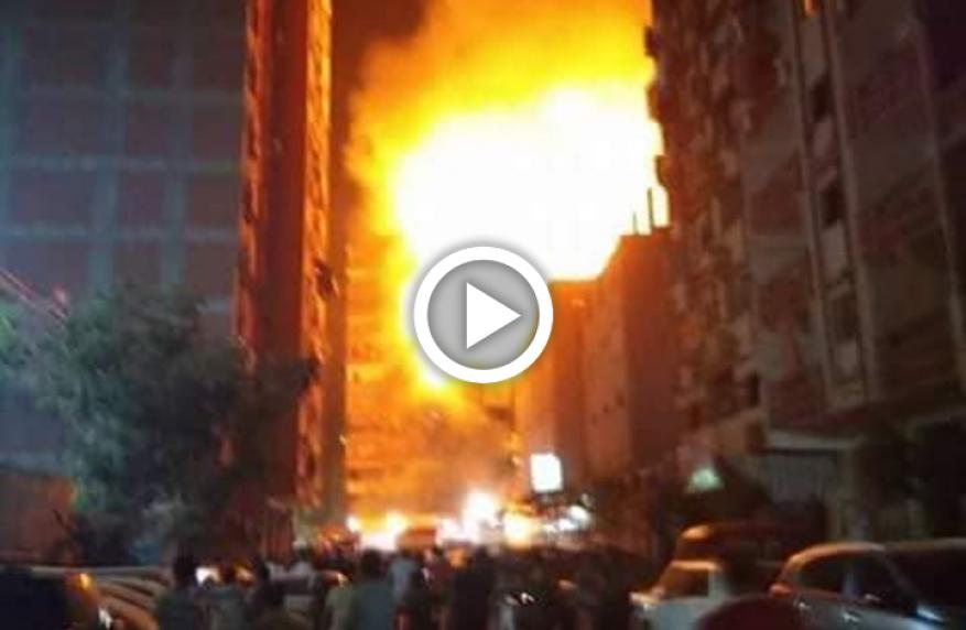 شاهد: حريق كبير يلتهم كنيسة قيد الإنشاء في مصر