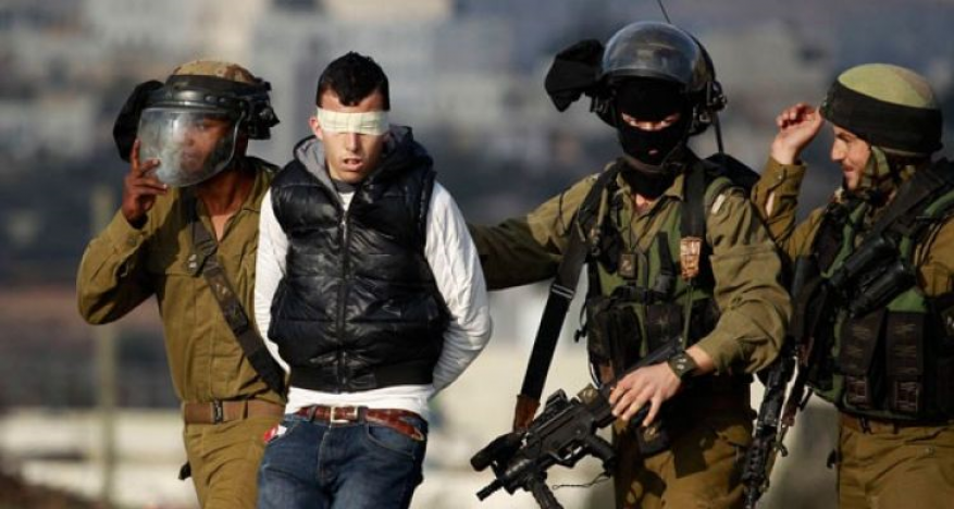 الاحتلال يعتقل شابين من نابلس
