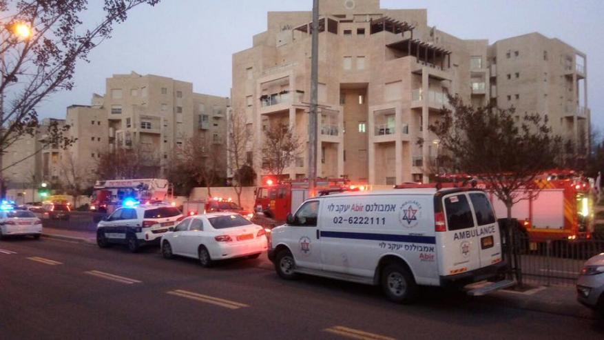 مُستوْطِنة تقتل نفسها وبناتها الأربعة حرقا في القدس المحتلة .