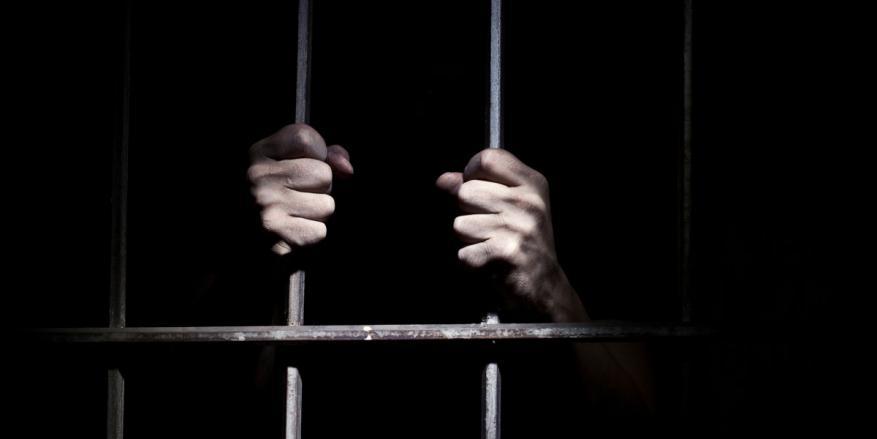 النظام السوري يبتز أهالي المعتقلين الفلسطينيين