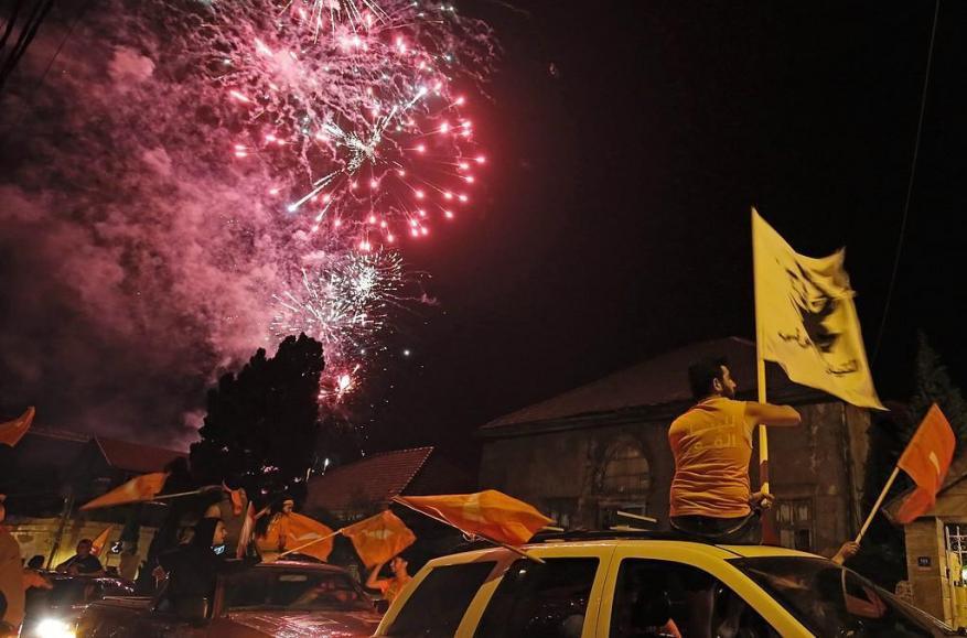 """""""ليلة ساخنة"""" في بيروت عقب خروج النتائج الأولية للانتخابات اللبنانية"""