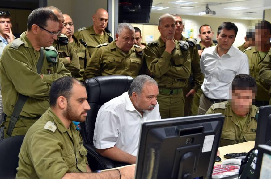جيش الاحتلال يُقيد استخدام جنوده مواقع التواصل