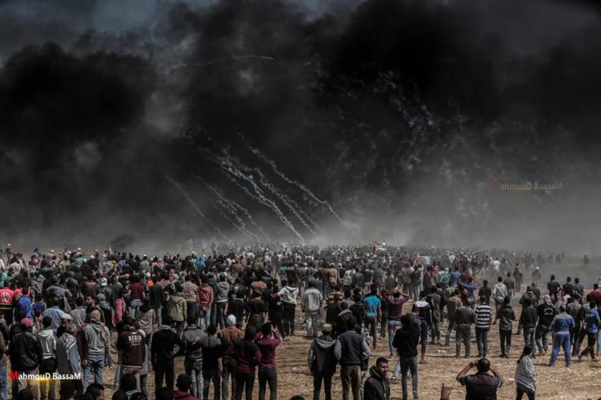 """استعدادات للمشاركة في """"جمعة يوم الأسير الفلسطيني"""" بمخيمات العودة"""