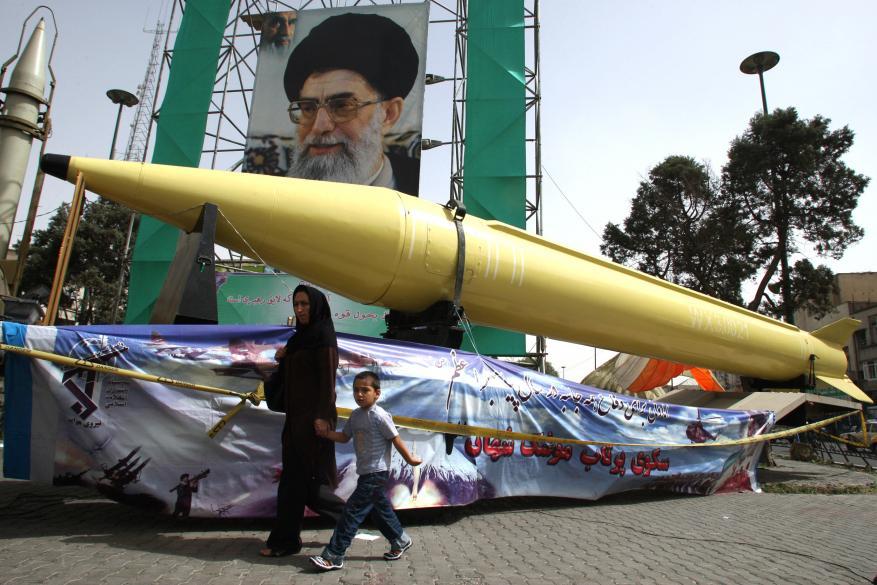 البرلمان الإيراني يرفع موازنة البرامج الصاروخية