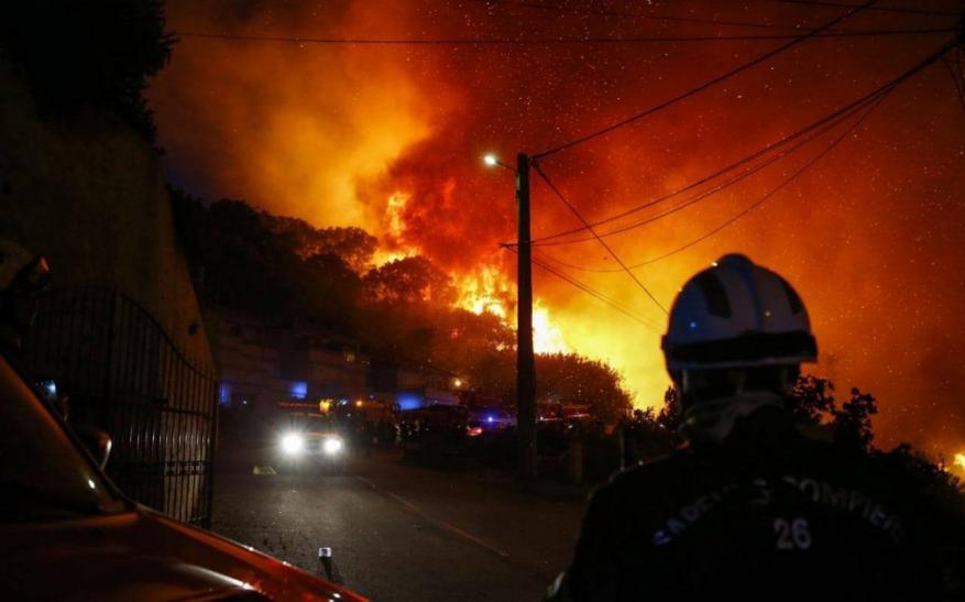 إجلاء 700 شخص في كورسيكا بسبب حريقين