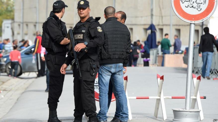 """تونس تعلن تفكيك شبكة لـ""""تسفير الفتيات"""" إلى سوريا"""