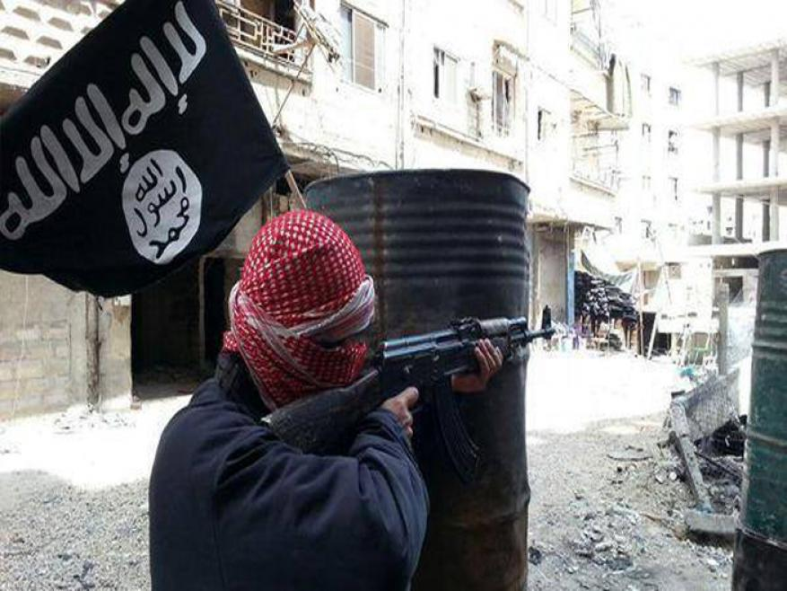 قصف واشتباكات في مخيم اليرموك