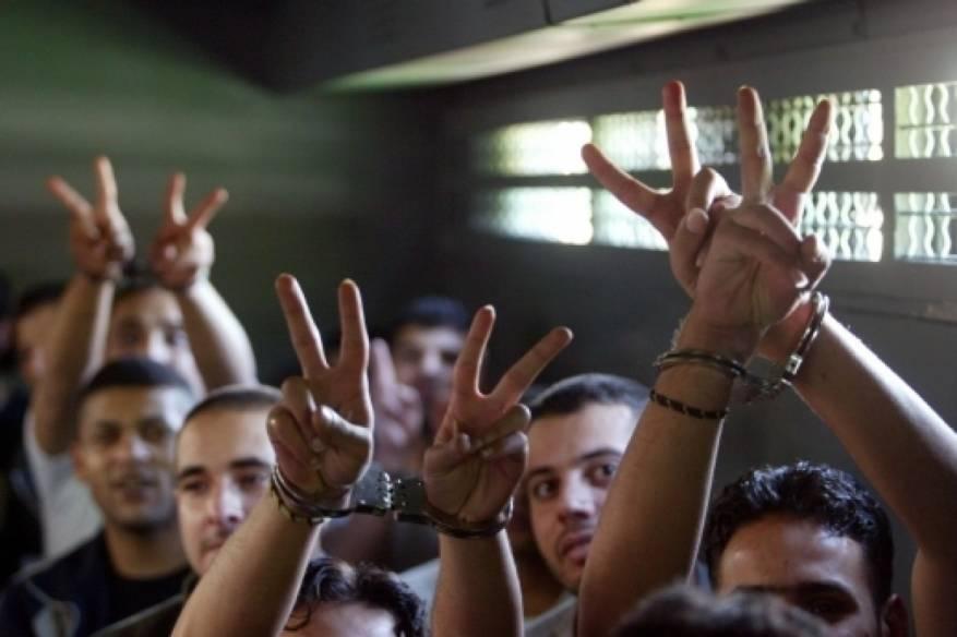 الأسرى في سجون الاحتلال يؤكدون دعمهم ومساندتهم لاتفاق المصالحة
