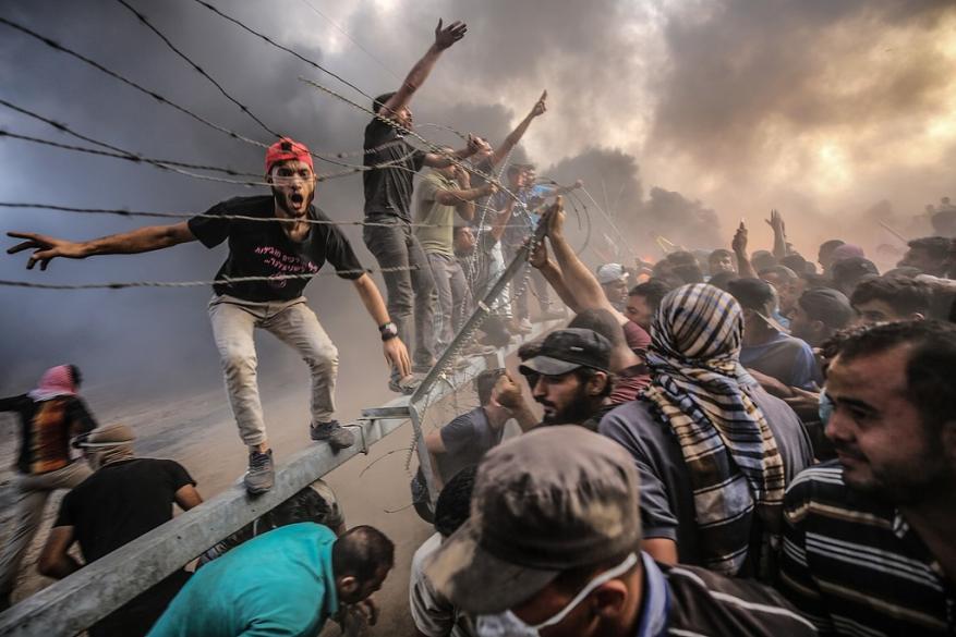 العرس في غزة والطبل بالضفة!