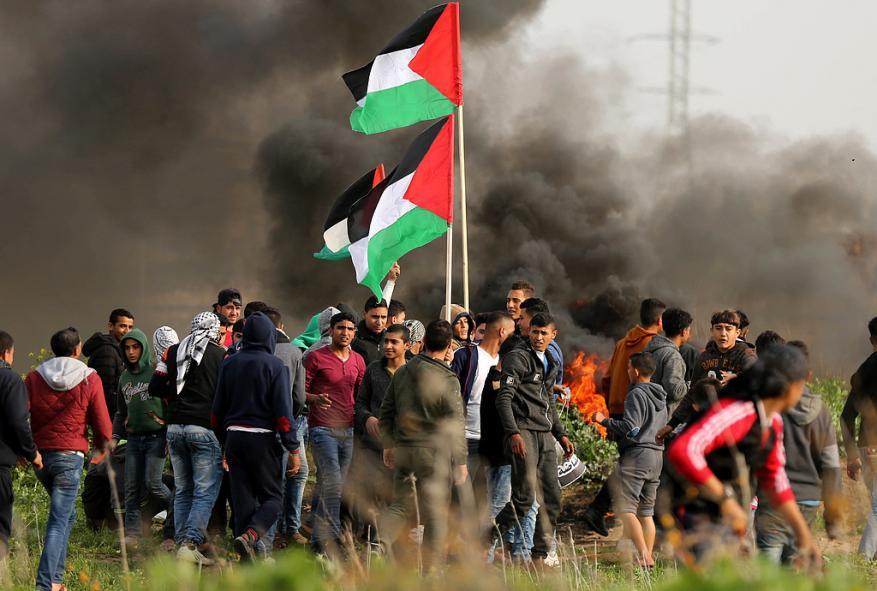 الاحتلال يستخدم طائرة مسيرة ويختبر أسلحة على المتظاهرين بغزة