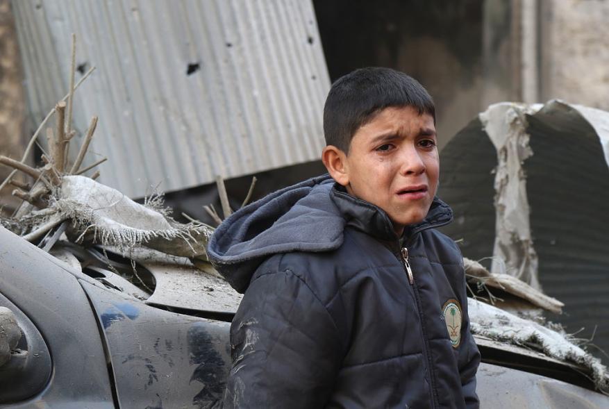 35 شهيدا حصيلة القصف الجوي على مدينة إدلب وريفها