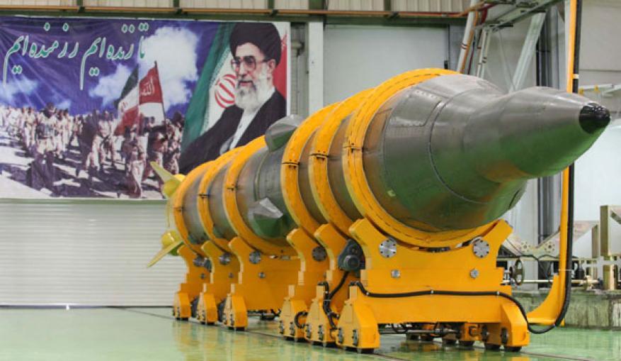 إيران تهدد بضرب القواعد الأميركية في حال الحرب
