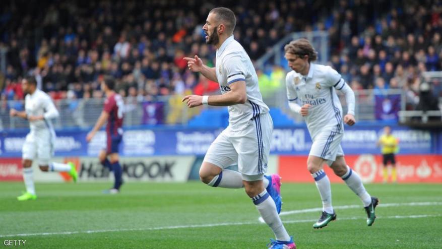 بنزيمة يهدي فوزا هاما للريال في الدوري الإسباني