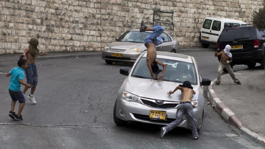 إصابة طفلين دهسهما مستوطن في جيت شرق قلقيلية