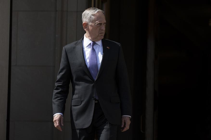 وزير الدفاع الأمريكي يغادر القاهرة إلى تـل أبيب