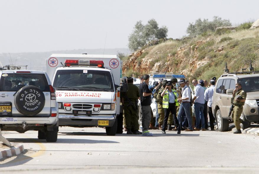 Israeli settler runs over Palestinian child in Hebron