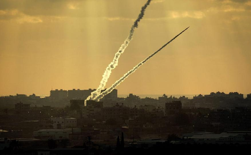 الاحتلال: تم رصد اطلاق صواريخ وسقوطها داخل القطاع