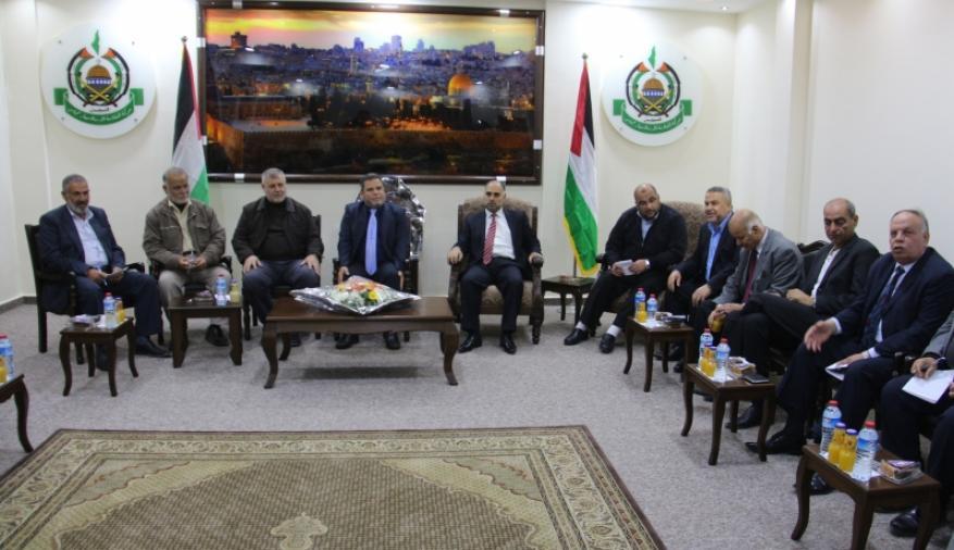 الفصائل لشهاب: موقف حماس بالقاهرة خطوة مهمة ويجب أن تقابل بخطوة من فتح