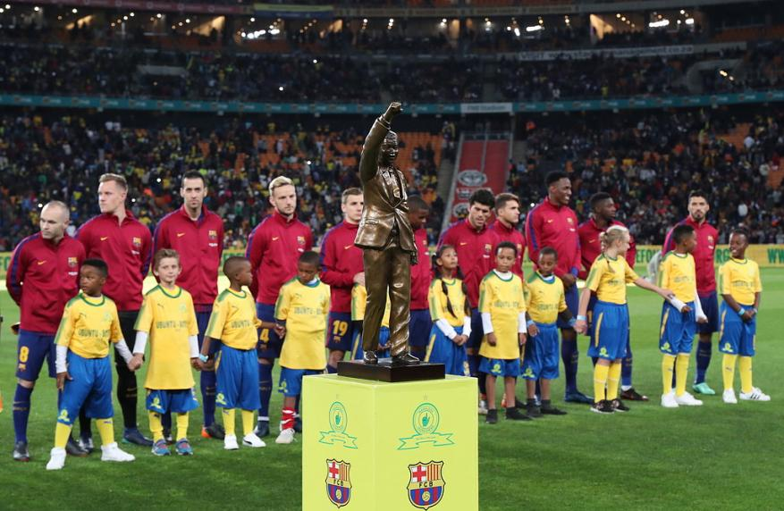 """برشلونة يهزم صن داونز في الذكرى المئوية لميلاد """"مانديلا"""""""