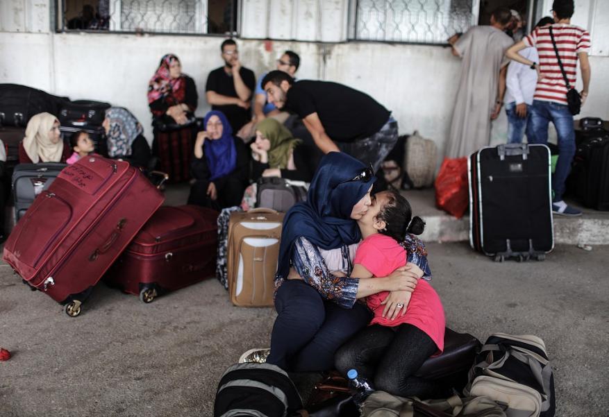 مركز حقوقي: معبر رفح فتح 10 ايام فقط منذ بداية العام وسكان غزة يعانون