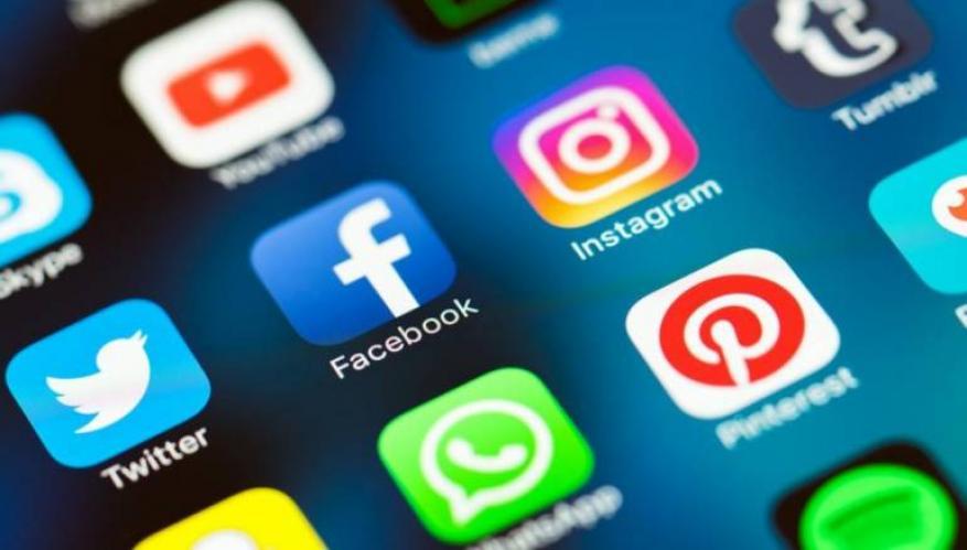 """أول دولة في العالم تفرض ضرائب على """"واتسآب"""" و""""فيسبوك"""" و""""تويتر"""""""