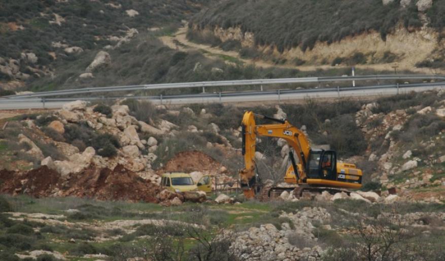 الاحتلال يعاود تجريف أراضٍ بمساحة 15 دونماً شرق قلقيلية