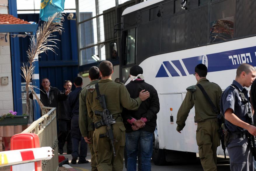 """الخارجية الفرنسية تدعو """"إسرائيل"""" للسماح بدخول البرلمانيين لمقابلة أسرى"""