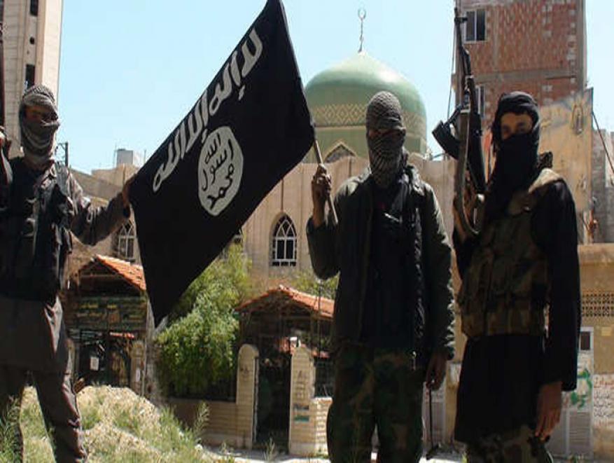 """""""داعشيات"""" لتفتيش نساء مخيم اليرموك والدراجات النارية ممنوعة بأمر من """"داعش"""""""