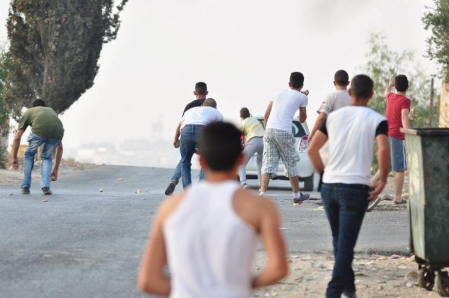الاحتلال يعتقل مطارداً برام الله وأسير محرر بعد إصابته بنابلس