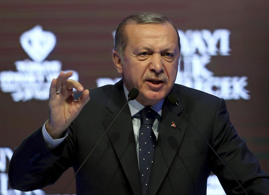 أردوغان: أوروبا أطلقت حملة صليبية ضد الإسلام بعد قرار حظر الحجاب